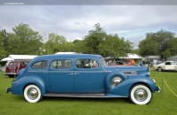1939 Packard 1705 Super Eight image.