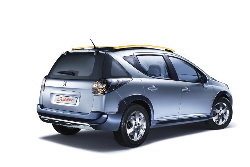 2007 Peugeot 207 SW Outdoor Concept thumbnail image