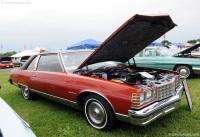 1977 Pontiac Bonneville image.