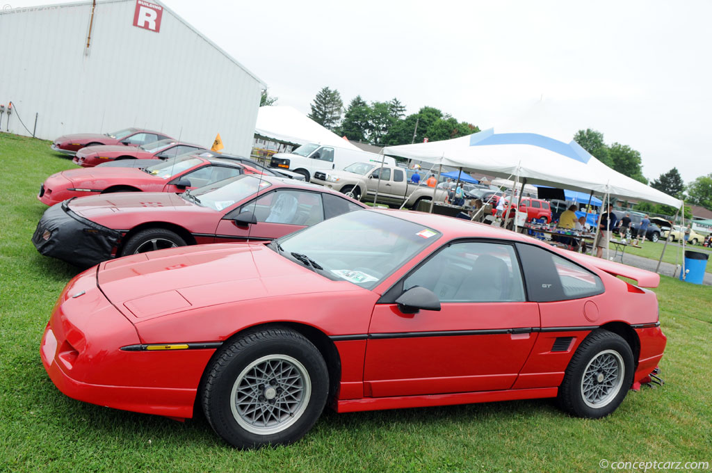 auction results and sales data for 1986 pontiac fiero. Black Bedroom Furniture Sets. Home Design Ideas