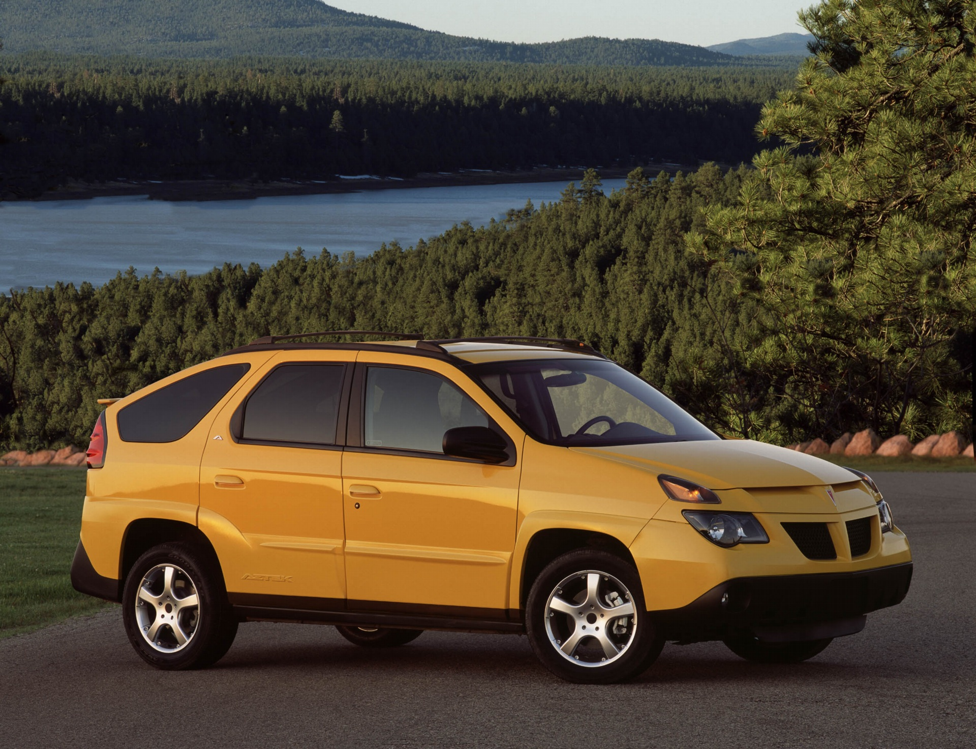 2002 Pontiac Aztek Pictures History Value Research News - conceptcarz.com : pontiac aztek tent package - memphite.com