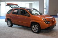 2004 Pontiac Aztek image.