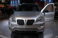 2004 Pontiac Montana image.