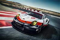 2017 Porsche 911 RSR image.