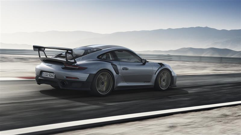 Porsche 911 GT2 RS pictures and wallpaper