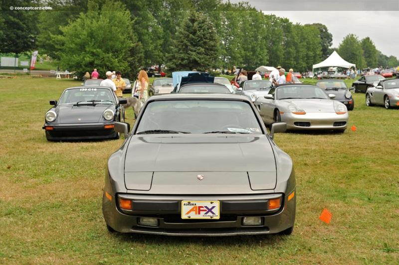 1983 Porsche 944 chis information.
