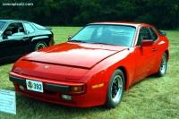 1984 Porsche 944 image.
