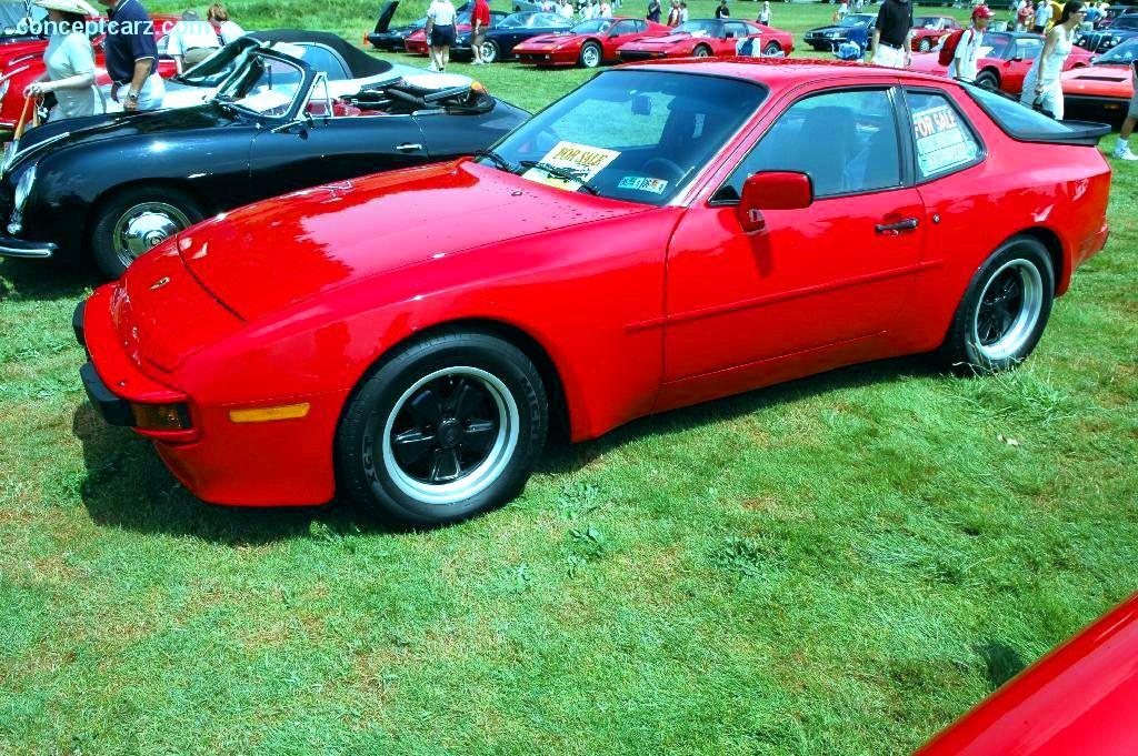 1985 Porsche 944 Image. https://www.conceptcarz.com/images ...