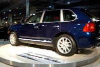 2003 Porsche Cayenne Turbo image.