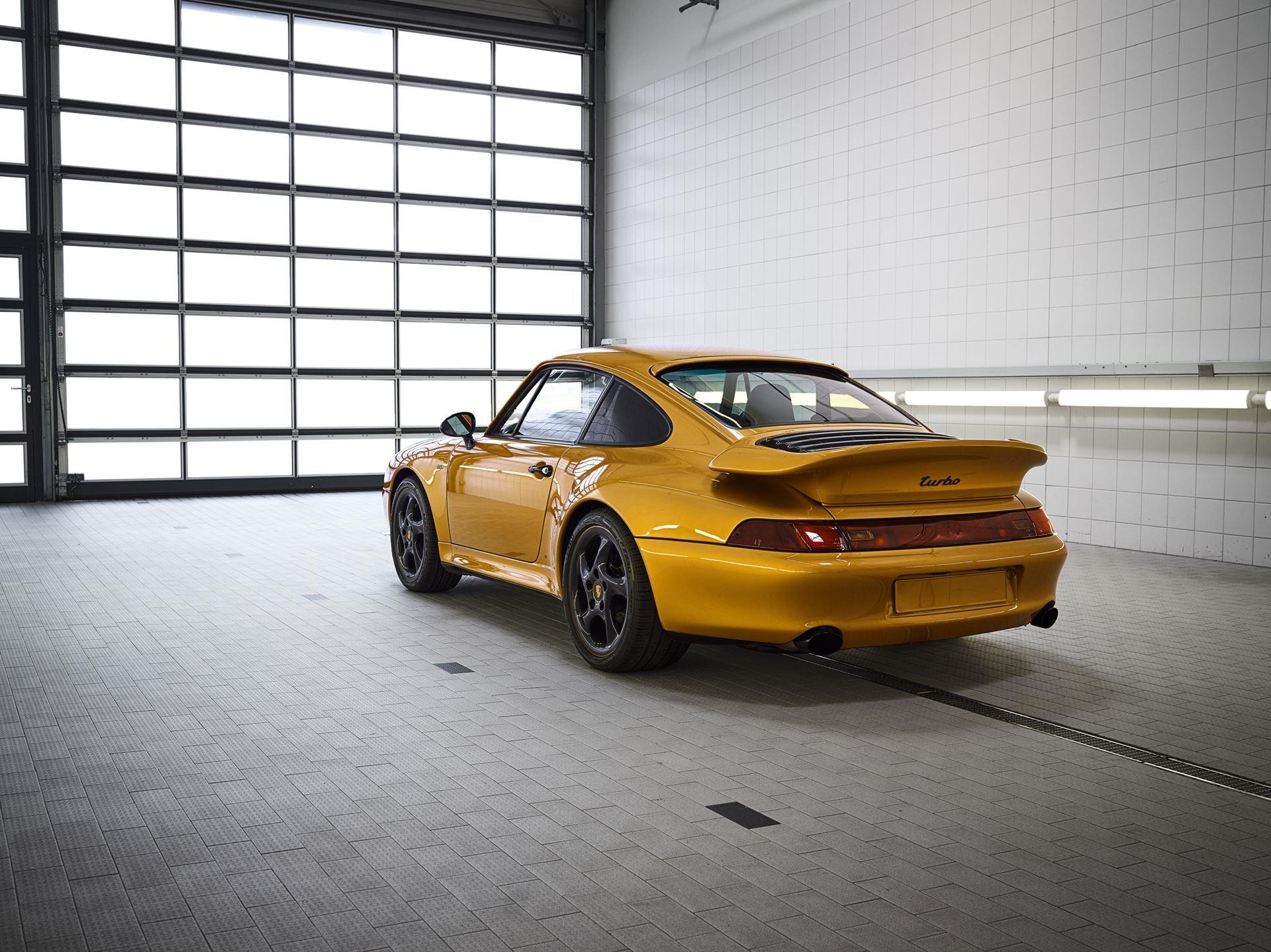 Porsche 911 Turbo Classic Series Project Gold photo