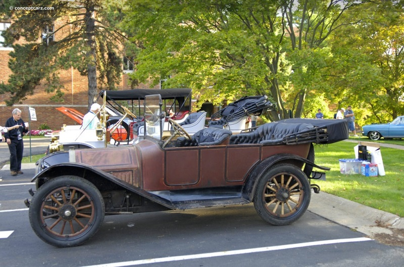1914 Regal Model 25 Underslung