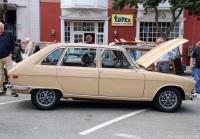 1976 Renault R16 image.