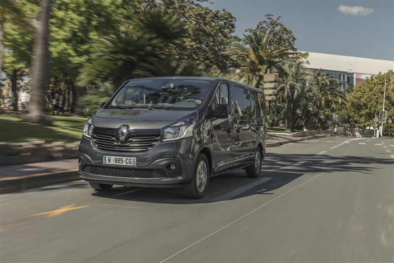 2017 Renault Trafic Spaceclass News And Information