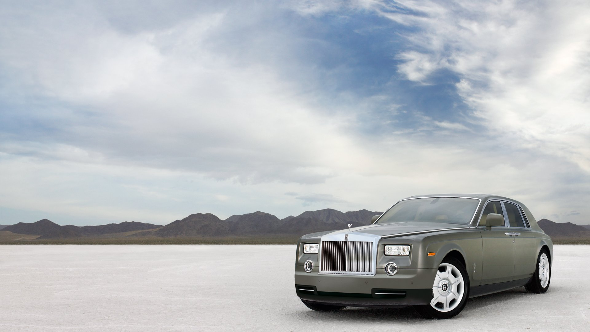 2012 rolls-royce phantom news and information