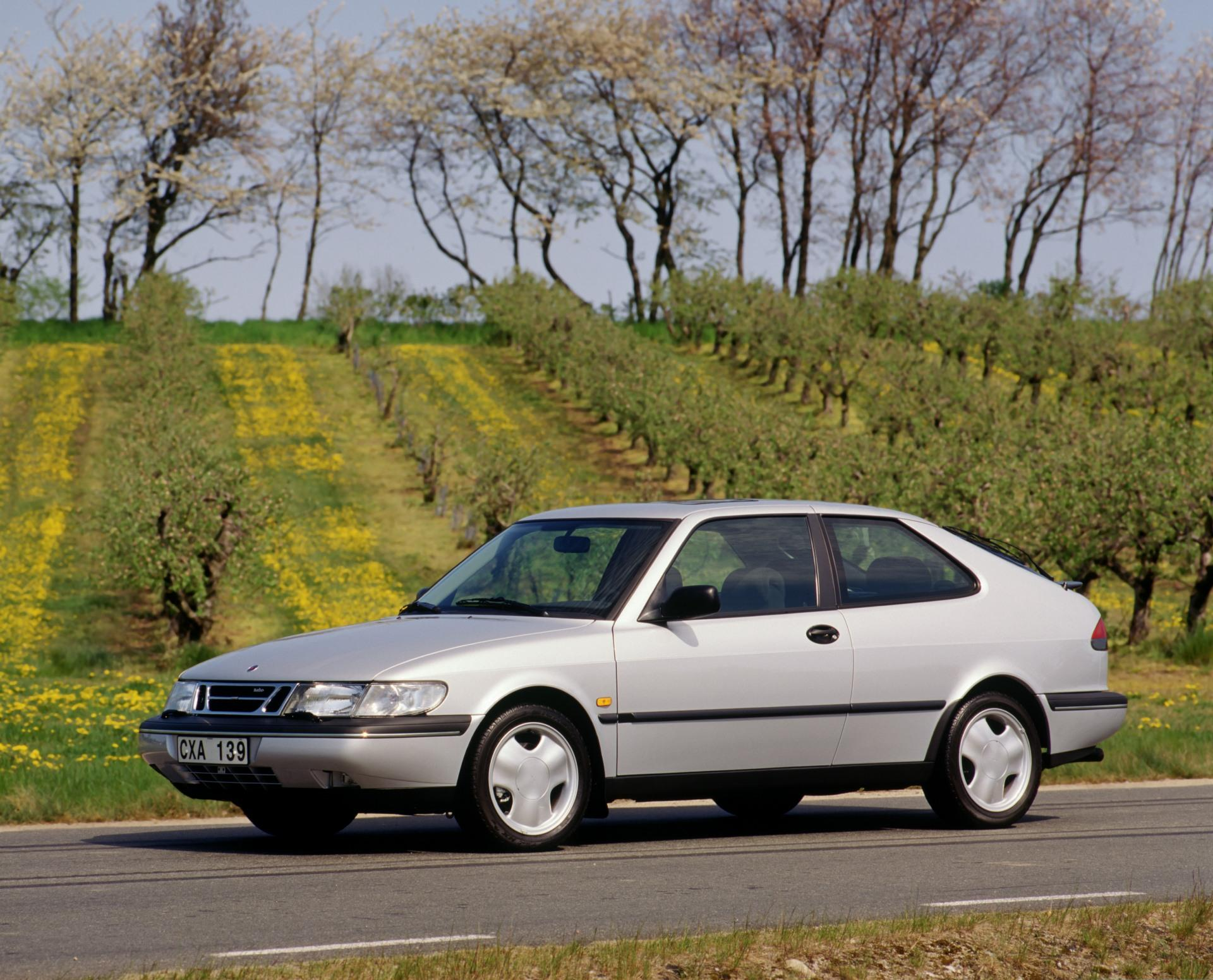 1995 Saab 900 History Pictures Value Auction Sales Research And News
