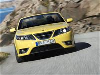 Popular 2008 Saab 9-3 Convertible Yellow Edition Wallpaper