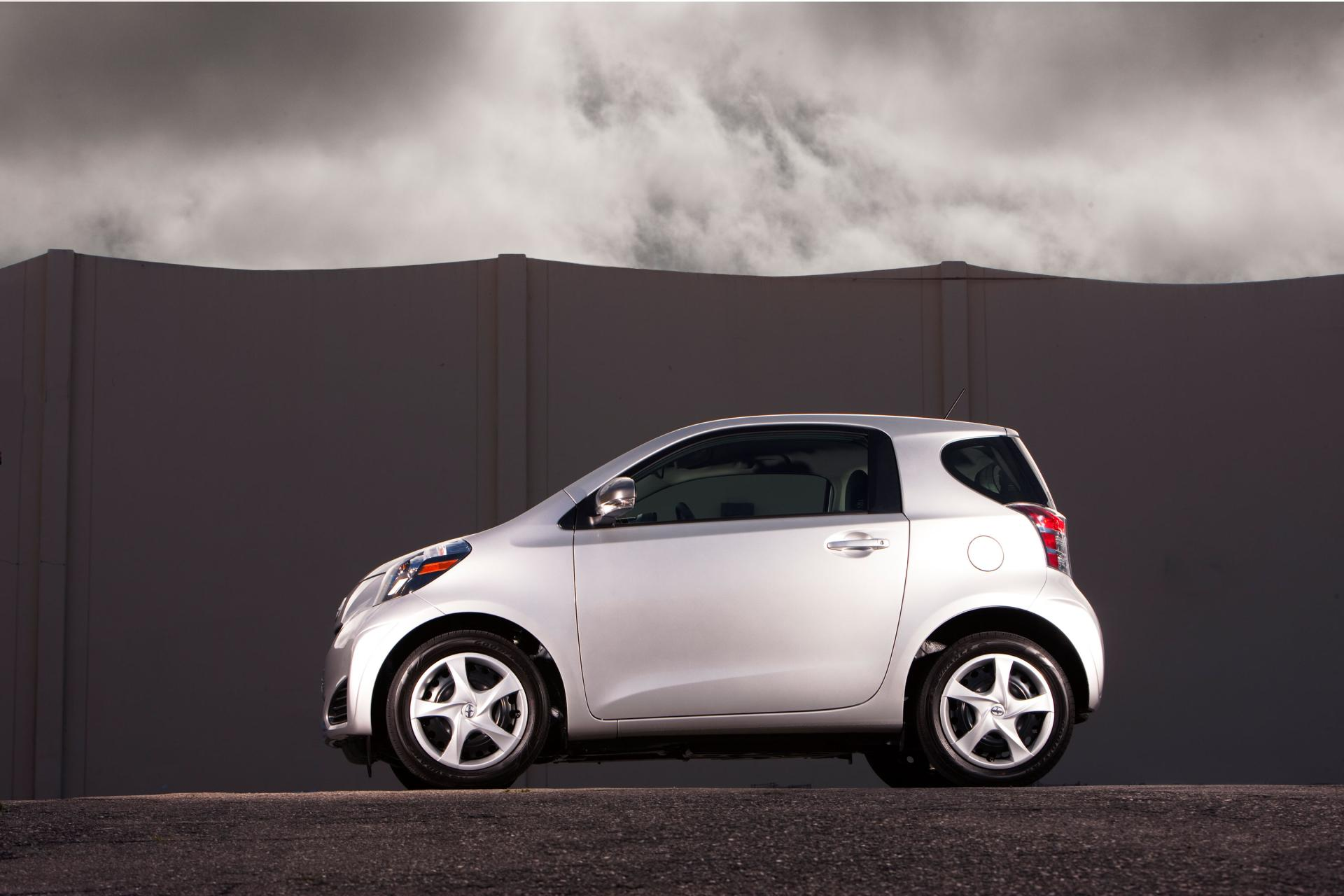 2012 Scion iQ technical and mechanical specifications