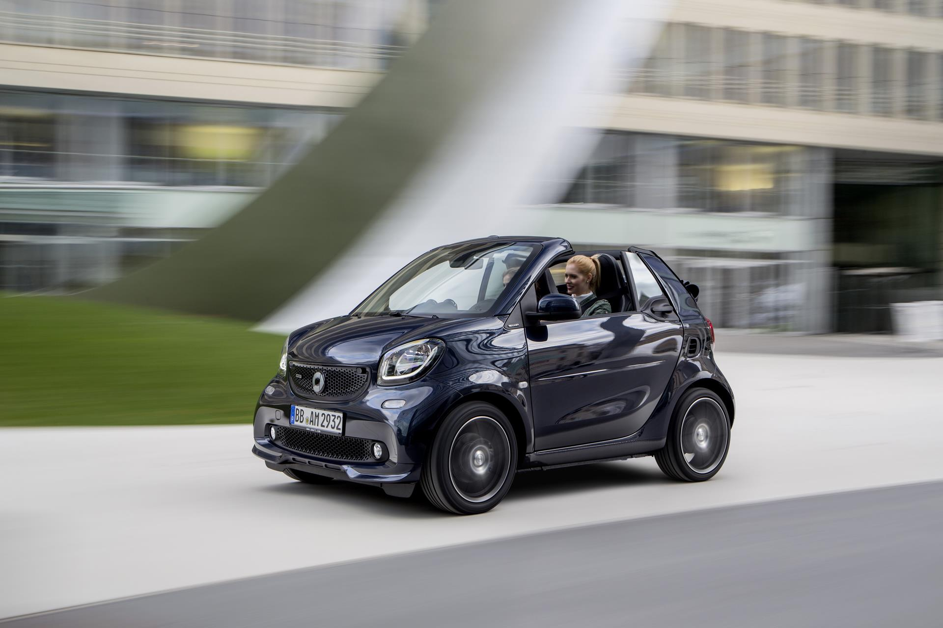 2016 brabus fortwo cabriolet news and information. Black Bedroom Furniture Sets. Home Design Ideas
