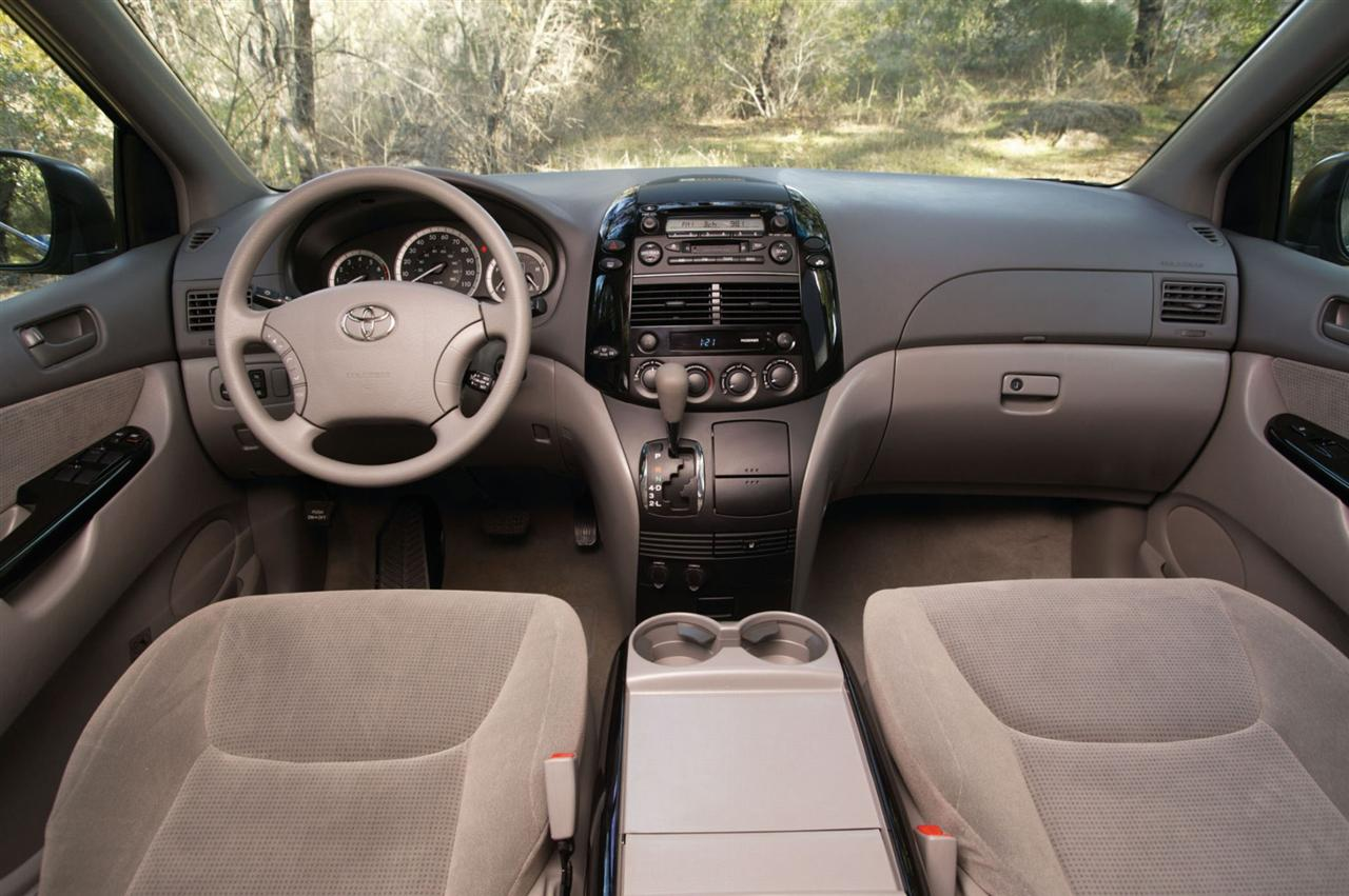 2005 Toyota Sienna Image. Photo 5 of 62