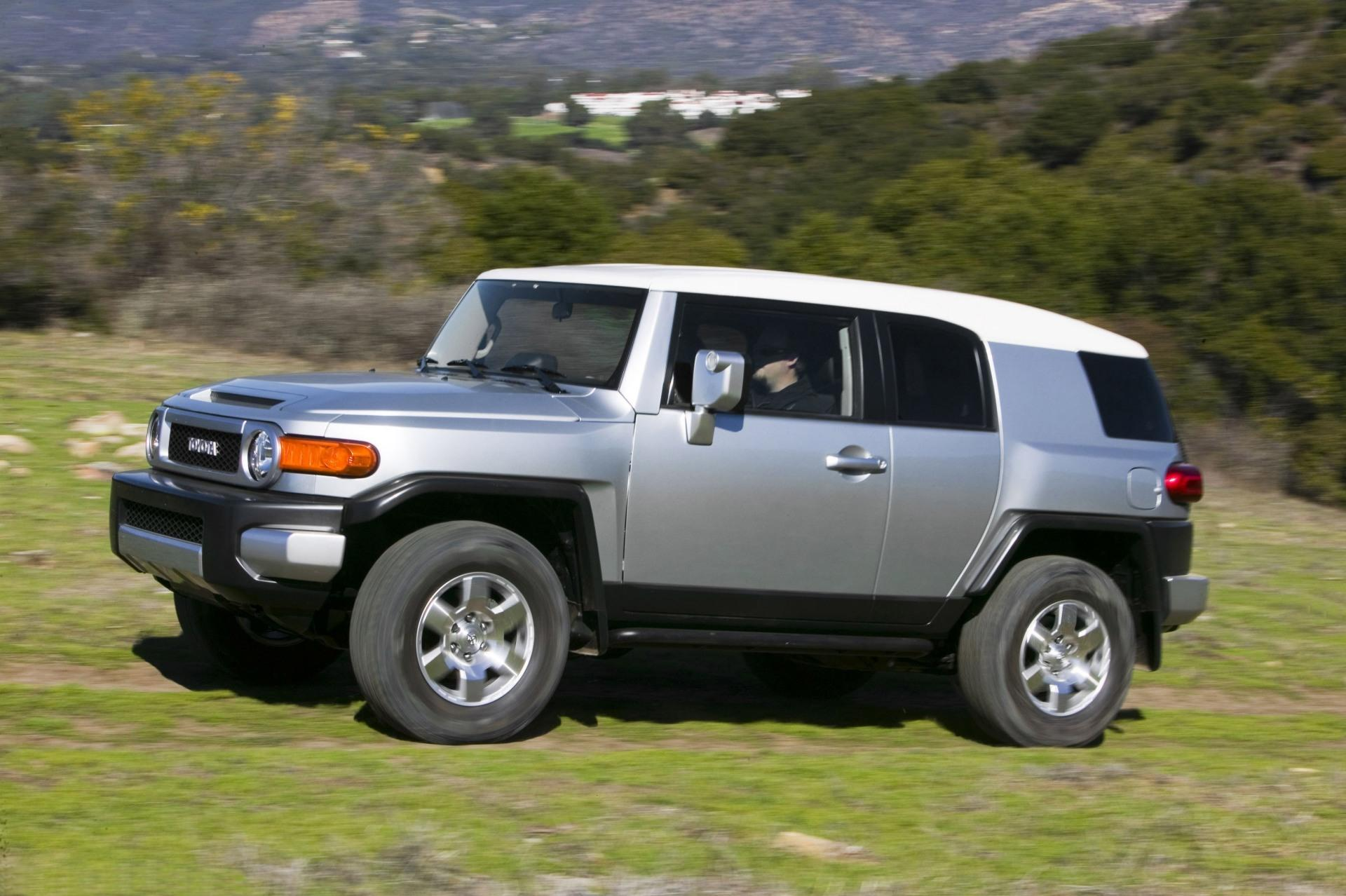 Toyota Fj Cruiser >> 2010 Toyota FJ Cruiser Image. Photo 31 of 48