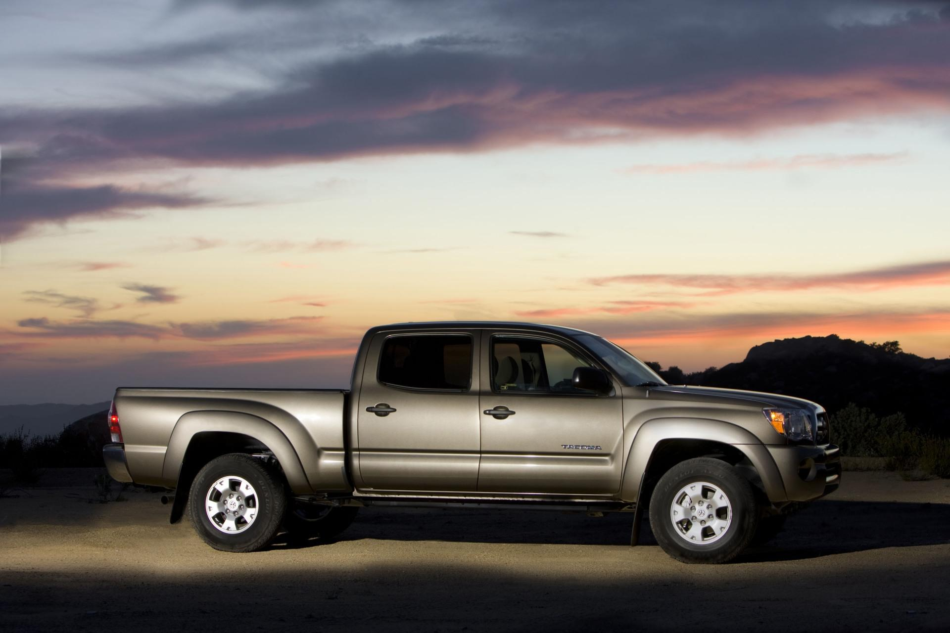 2010 toyota tacoma news and information. Black Bedroom Furniture Sets. Home Design Ideas