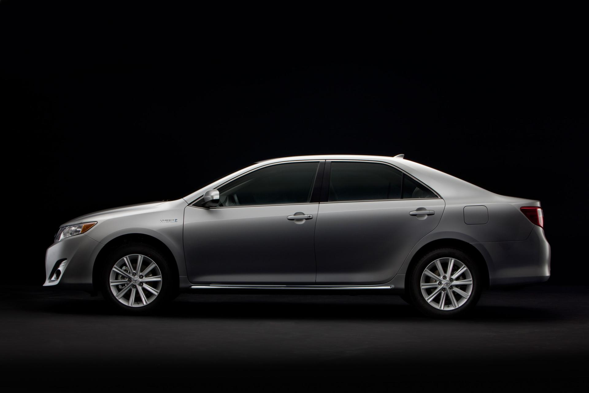 2012 Toyota Camry Hybrid News And Information