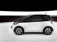 2013 Toyota iQ EV image.