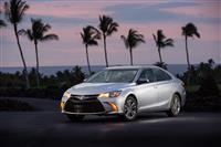 2016 Toyota Camry image.