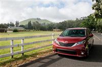 2018 Toyota Sienna thumbnail image