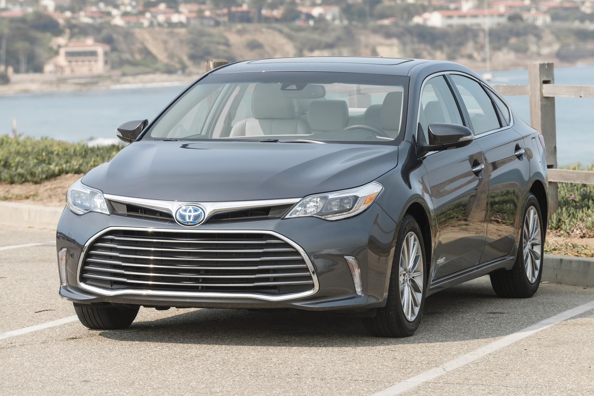 2017 toyota avalon hybrid technical and mechanical specifications. Black Bedroom Furniture Sets. Home Design Ideas