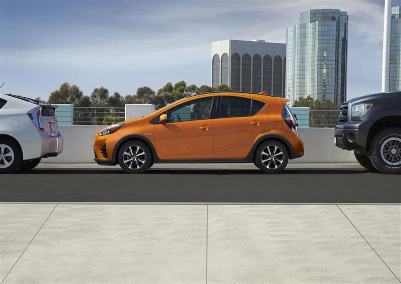 Toyota Prius c pictures and wallpaper