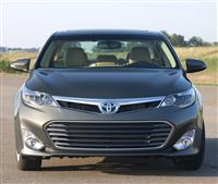 2013 Toyota Avalon Hybrid image.