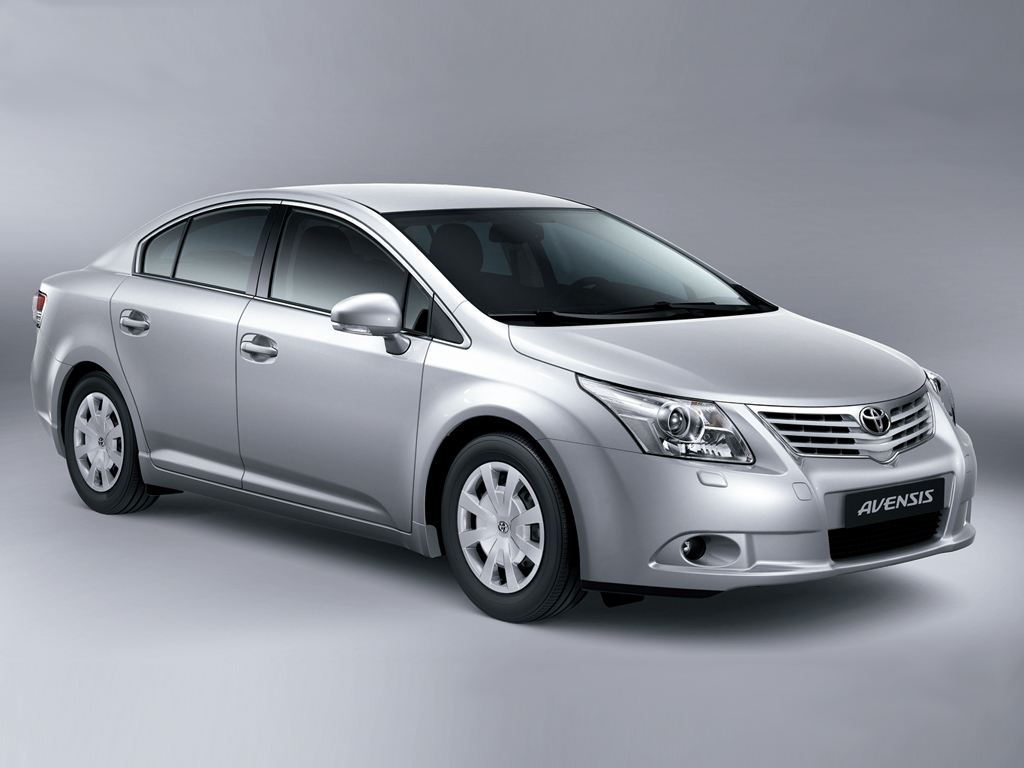 Toyota Avensis on antique muscle cars