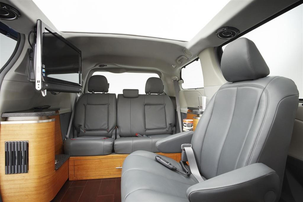 2011 toyota sienna swagger wagon supreme. Black Bedroom Furniture Sets. Home Design Ideas