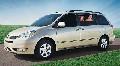 2005 Toyota Sienna image.