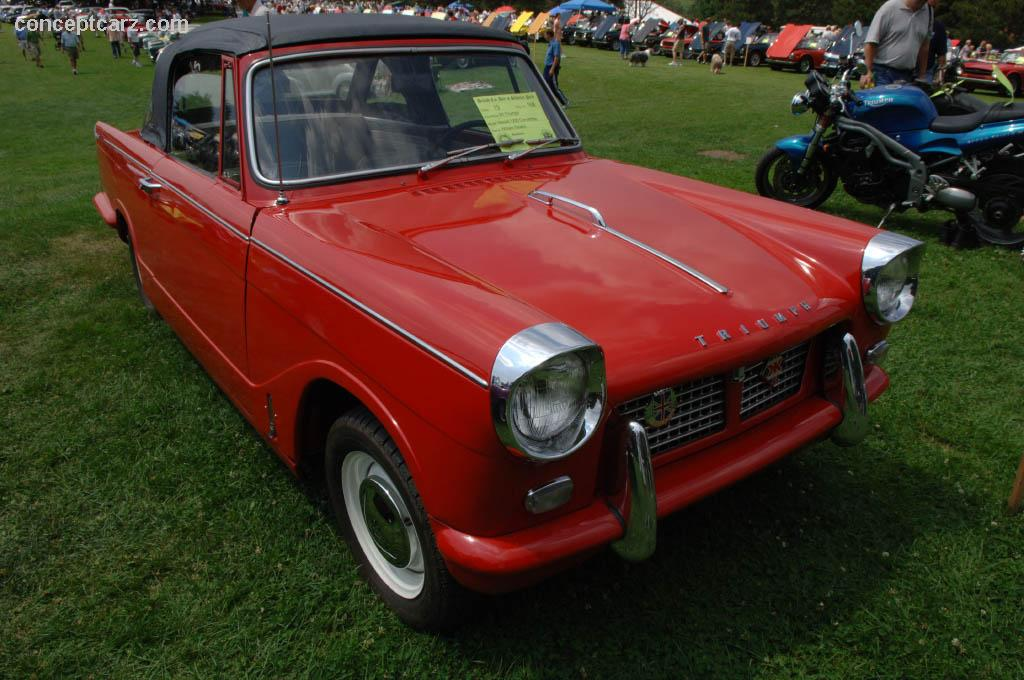 Extrêmement 1961 Triumph Herald 1200 at the Pittsburgh Vintage Grand Prix Car Show UM29