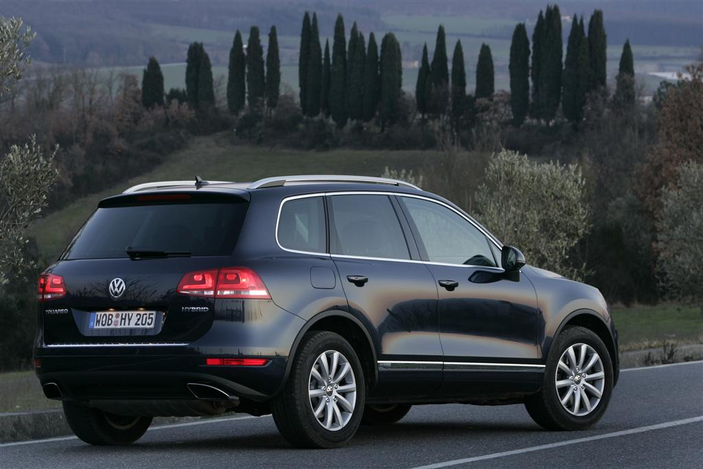 2011 volkswagen touareg news and information. Black Bedroom Furniture Sets. Home Design Ideas