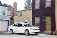 2013 Volkswagen Passat image.
