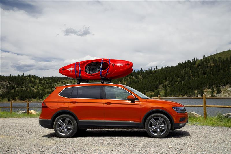 2018 volkswagen tiguan images. Black Bedroom Furniture Sets. Home Design Ideas
