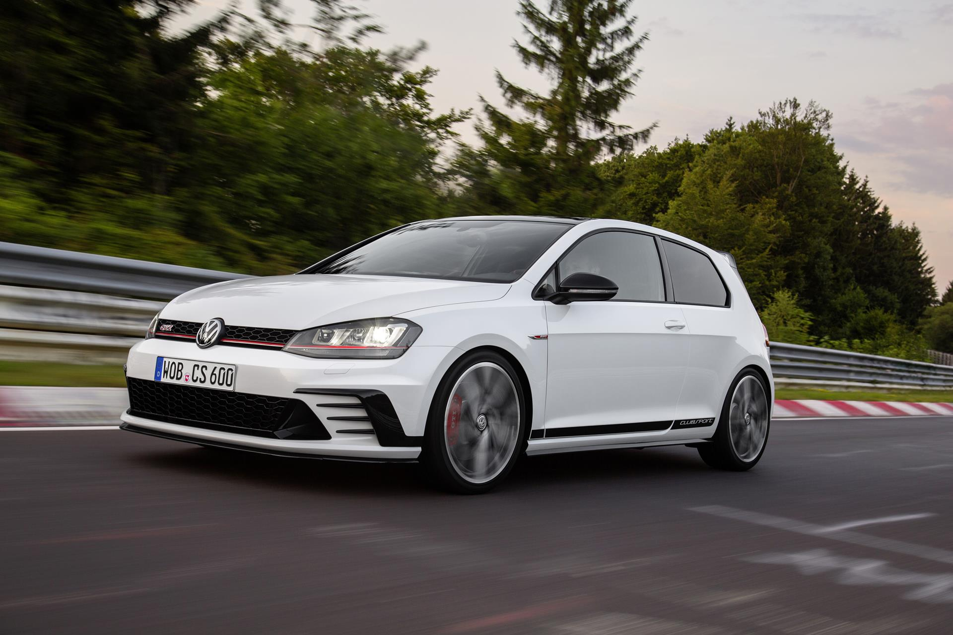 2016 volkswagen golf gti clubsport edition 40 news and. Black Bedroom Furniture Sets. Home Design Ideas