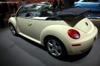 2006 Volkswagen New Beetle image.