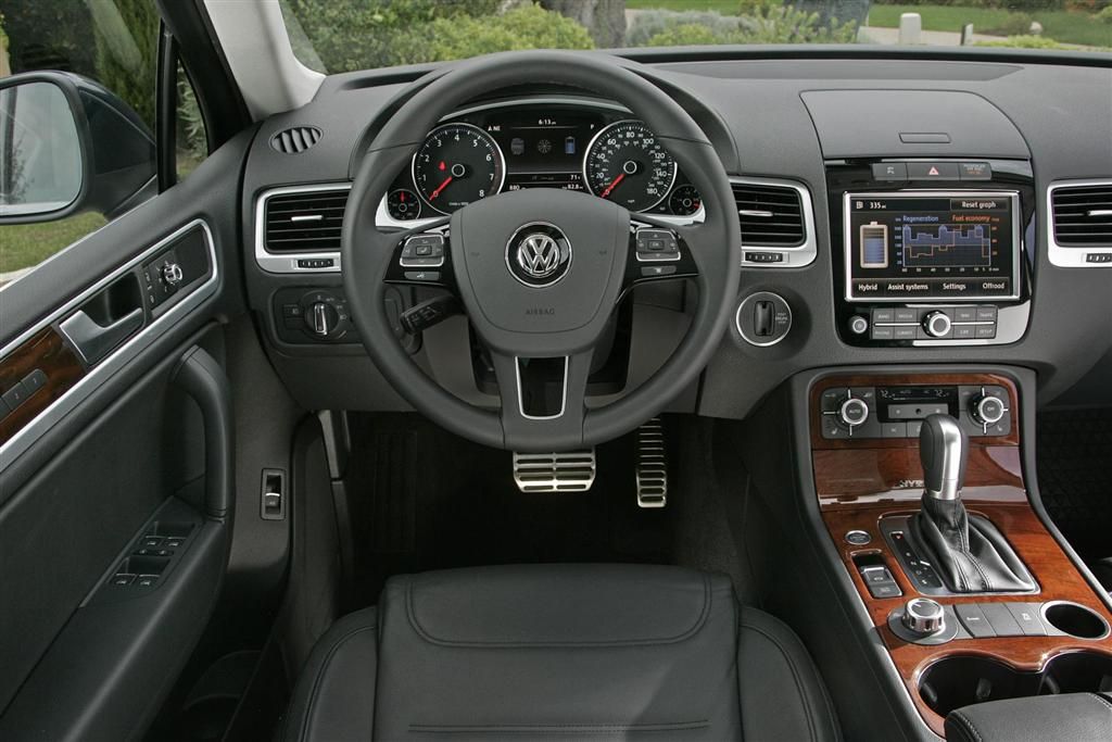 2012 volkswagen touareg news and information. Black Bedroom Furniture Sets. Home Design Ideas