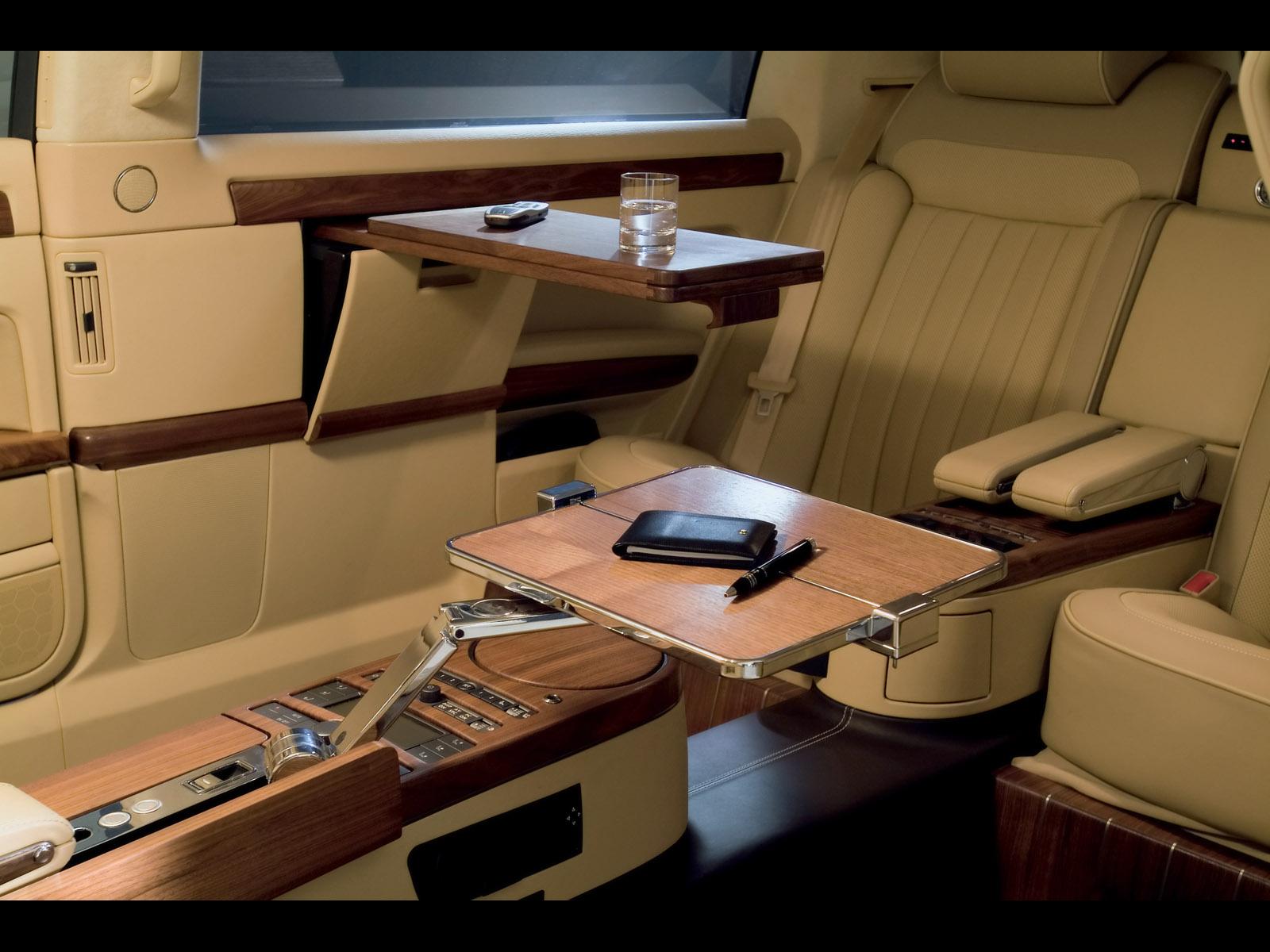 2005 Volkswagen Phaeton Lounge Study Image. https://www.conceptcarz.com/images/Volkswagen/vw ...