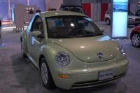 2003 Volkswagen New Beetle image.