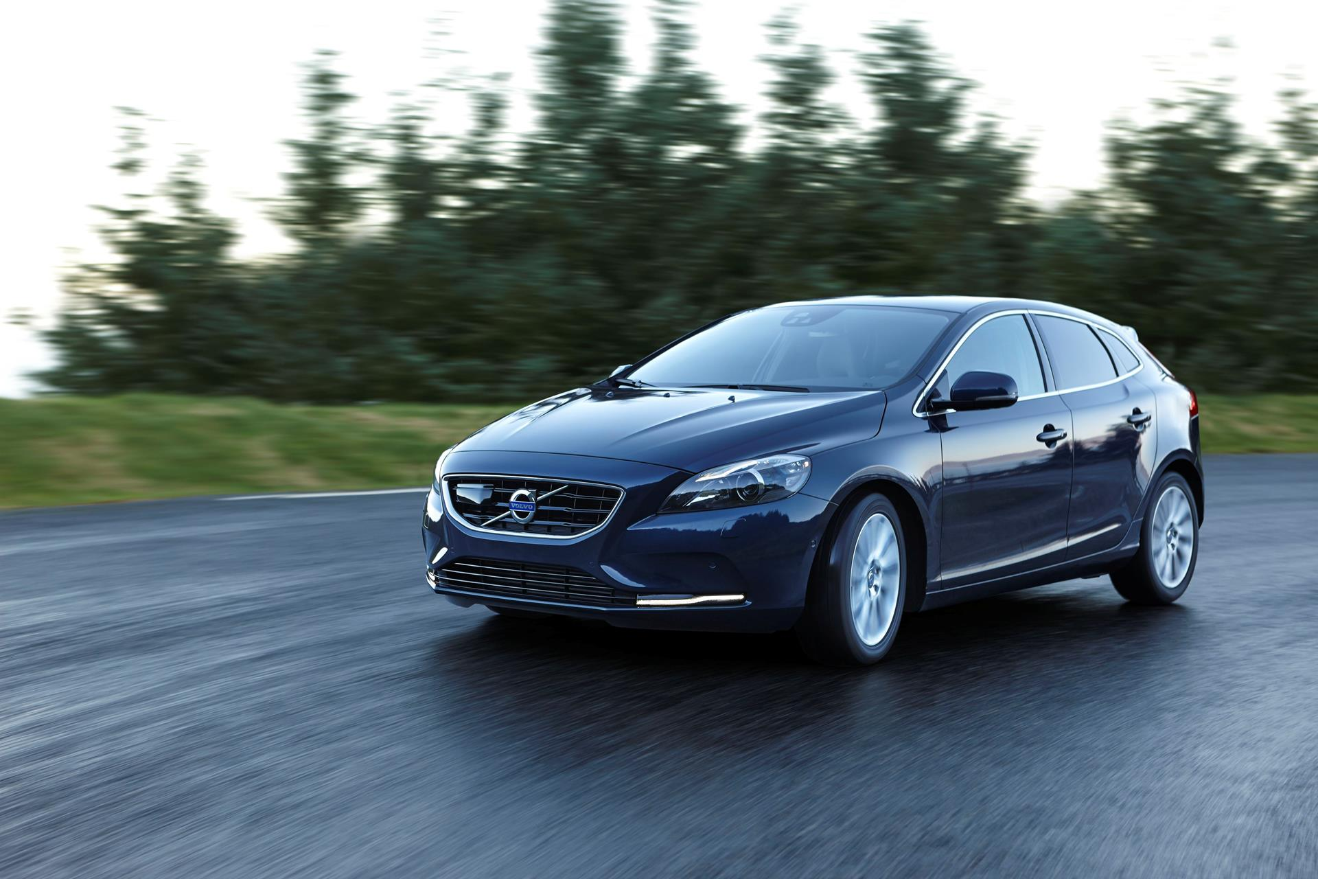 2015 Volvo V40 News and Information | conceptcarz.com