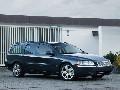 2005 Volvo V70 image.