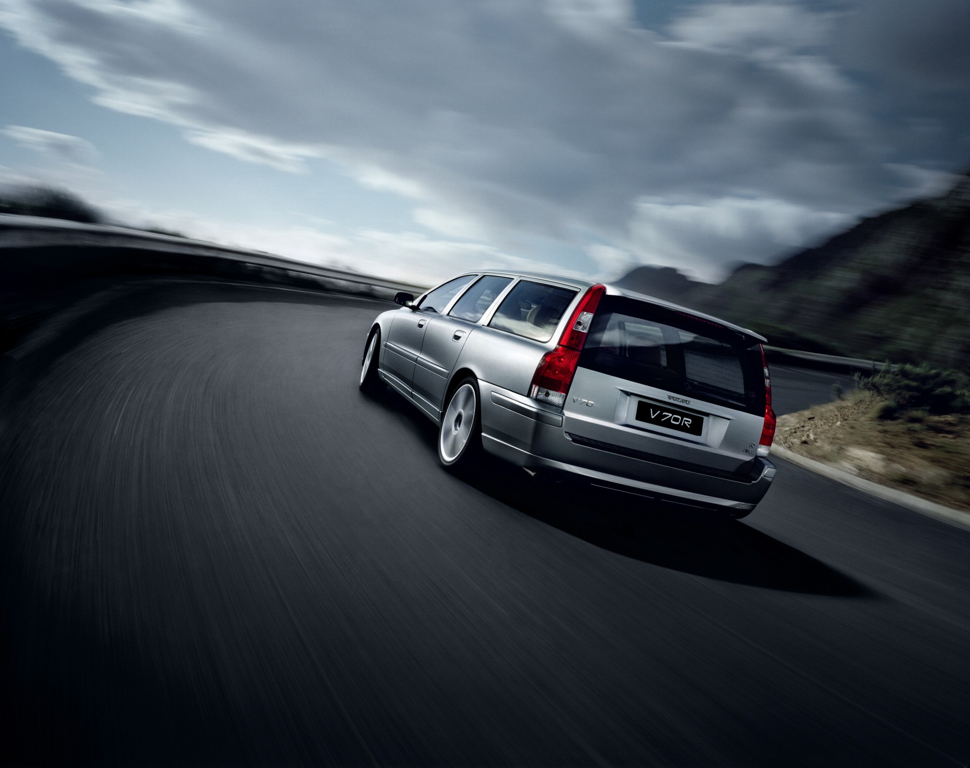 2007 volvo v70 r technical and mechanical specifications. Black Bedroom Furniture Sets. Home Design Ideas
