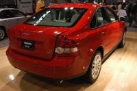 2005 Volvo S40 image.