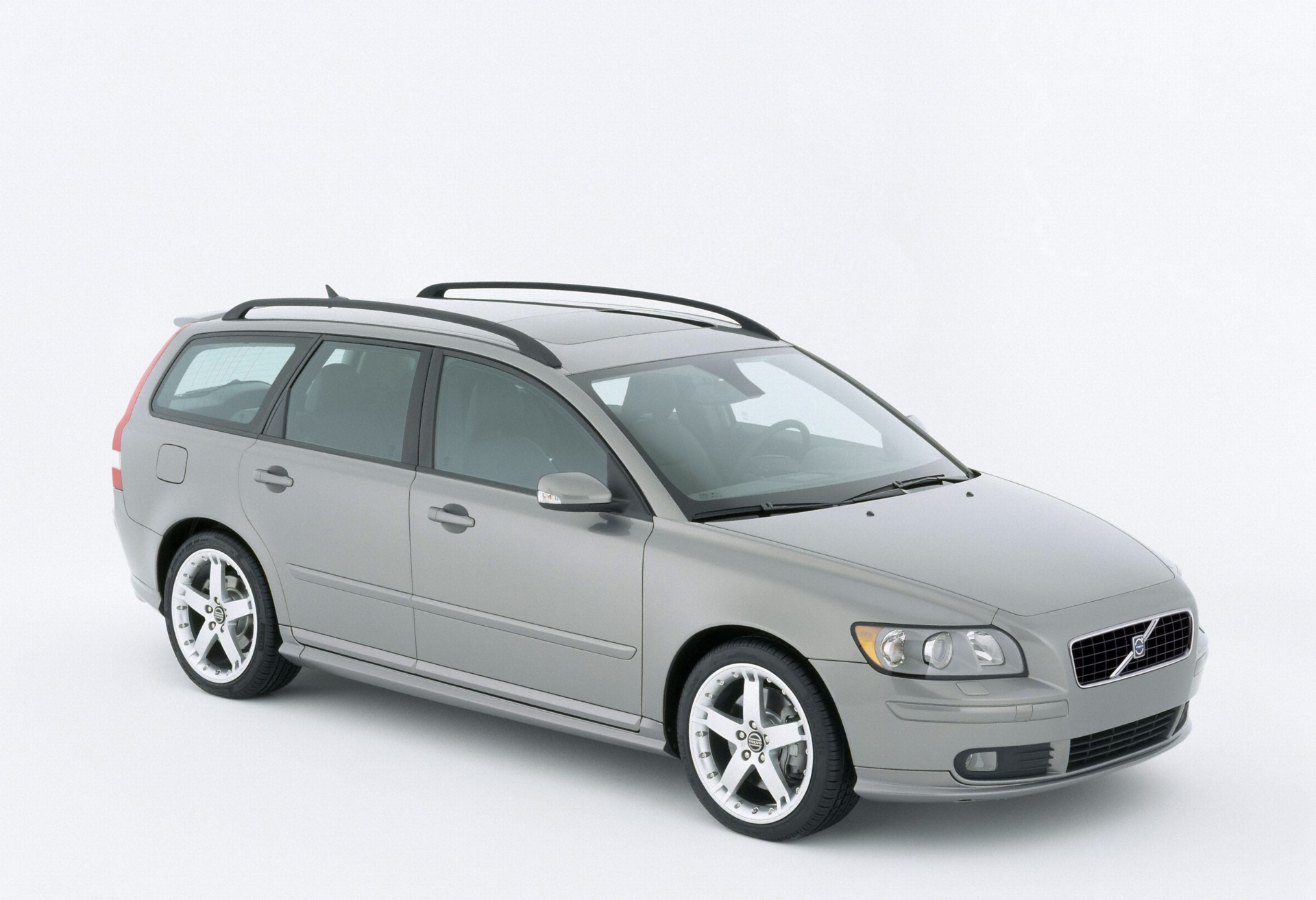 2007 Volvo V50 History, Pictures, Value, Auction Sales, Research and News