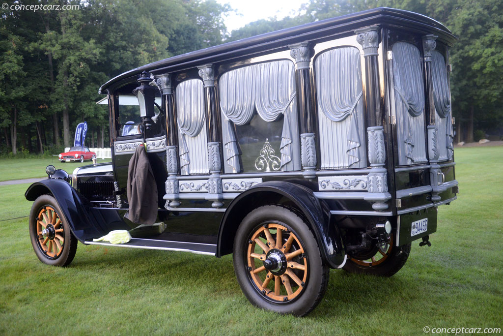 1916 Winton Hearse Image
